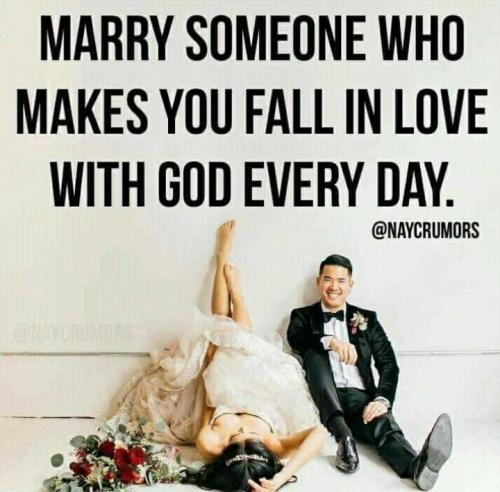 Want this in your marriage? Grab your spouse's hand and hit your knees ❤